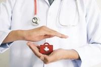 Vereadores questionam a falta de médicos e sugerem a reposição dos profissionais para atender a demanda